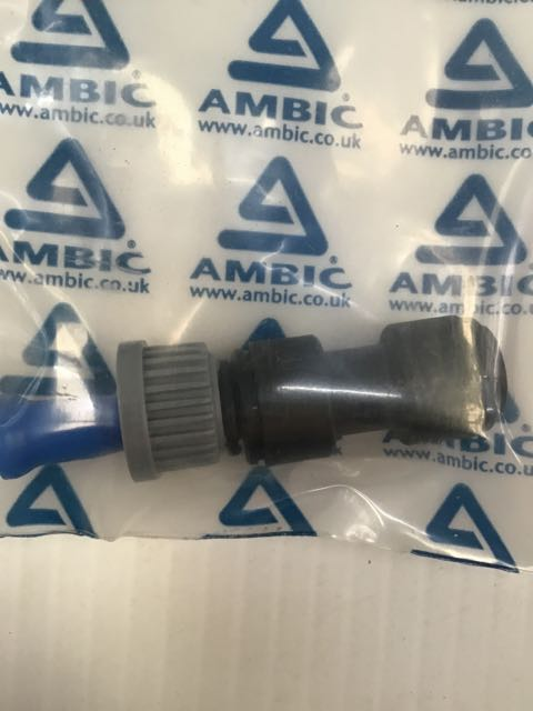 AMBIC UNIVERSAL CONNECTOR FOR TEAT SPRAY GUN